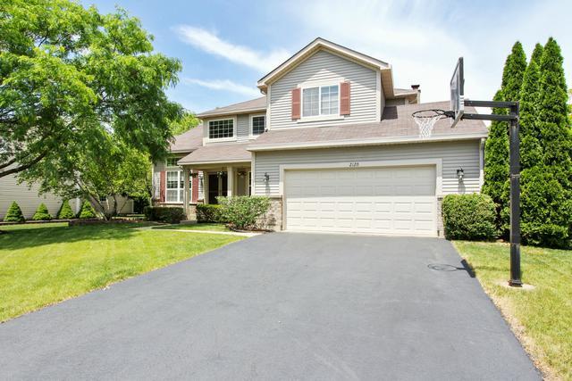 2120 Fieldcrest Drive, Mundelein, IL 60060 (MLS #09757037) :: Helen Oliveri Real Estate