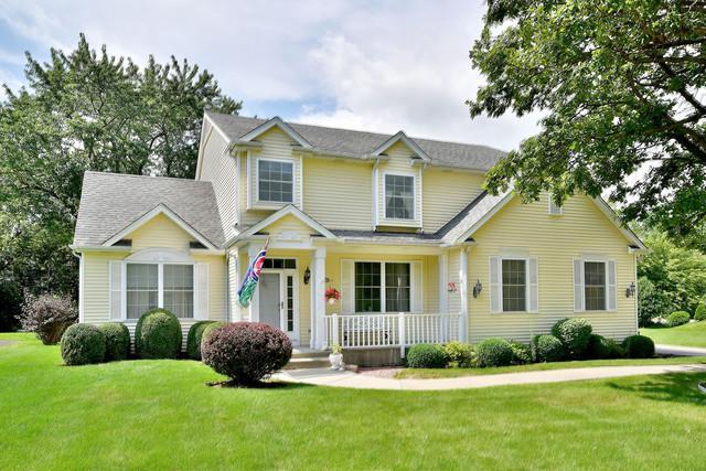 30474 N Woodridge Court, Libertyville, IL 60048 (MLS #09757136) :: Helen Oliveri Real Estate