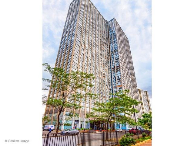 655 W Irving Park Road #4203, Chicago, IL 60613 (MLS #09757651) :: Property Consultants Realty