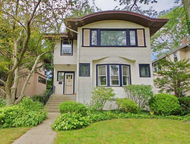 111 4th Street, Wilmette, IL 60091 (MLS #09757689) :: Helen Oliveri Real Estate