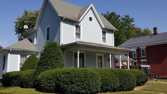 708 Meriden Street, Mendota, IL 61342 (MLS #09758033) :: Property Consultants Realty