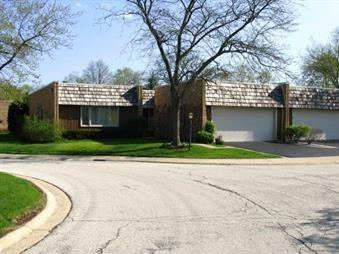 1905 Somerset Lane, Northbrook, IL 60062 (MLS #09758135) :: Helen Oliveri Real Estate