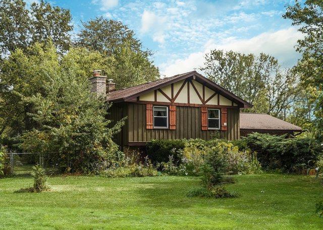 202 Linden Road, Lake Zurich, IL 60047 (MLS #09758342) :: Helen Oliveri Real Estate