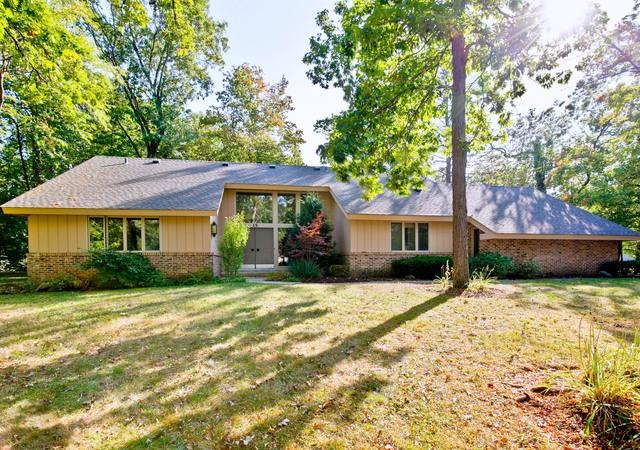 15 Sheffield Court, Lincolnshire, IL 60069 (MLS #09758481) :: Helen Oliveri Real Estate