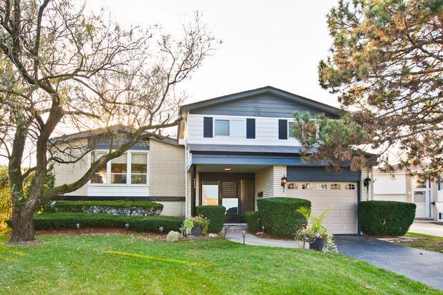 2427 Fernwood Drive, Glenview, IL 60025 (MLS #09758542) :: Helen Oliveri Real Estate