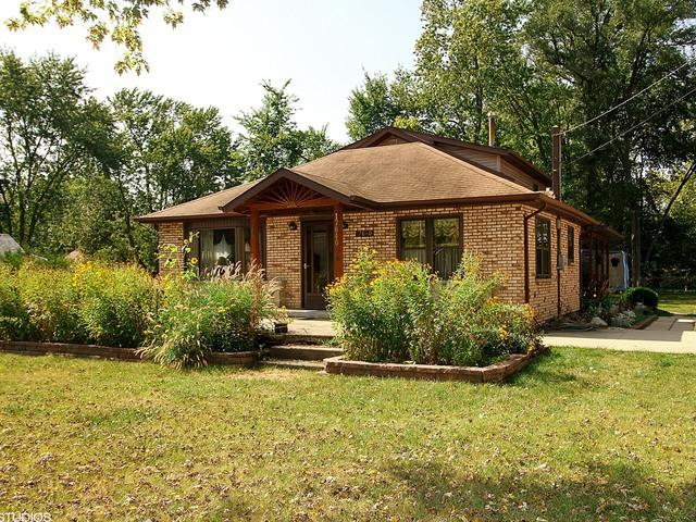 17640 Highland Avenue, Tinley Park, IL 60477 (MLS #09758603) :: The Wexler Group at Keller Williams Preferred Realty