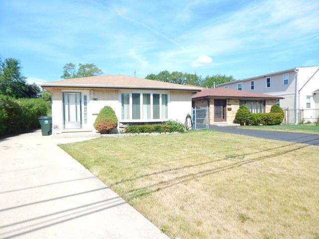 9126 Lehigh Avenue, Morton Grove, IL 60053 (MLS #09758726) :: Helen Oliveri Real Estate