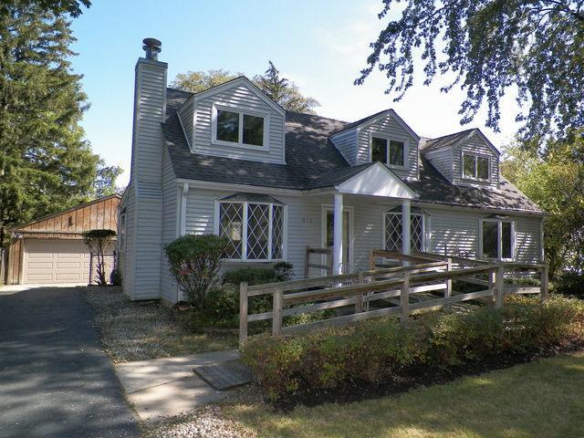 813 Glendale Road, Glenview, IL 60025 (MLS #09758794) :: Helen Oliveri Real Estate