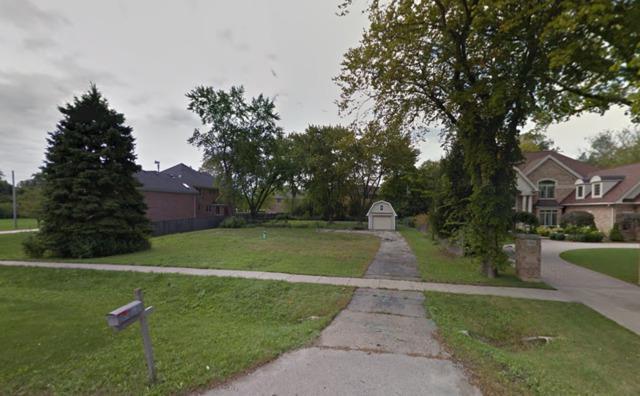 560 Pfingsten Road, Northbrook, IL 60062 (MLS #09758844) :: Helen Oliveri Real Estate