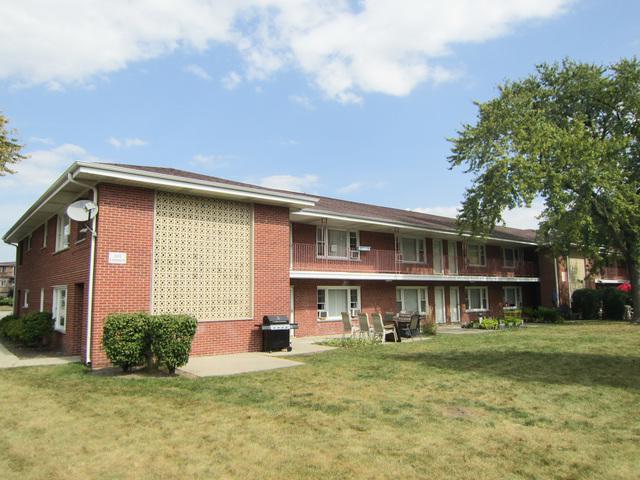 1111 E Algonquin Road #16, Arlington Heights, IL 60005 (MLS #09759119) :: Helen Oliveri Real Estate