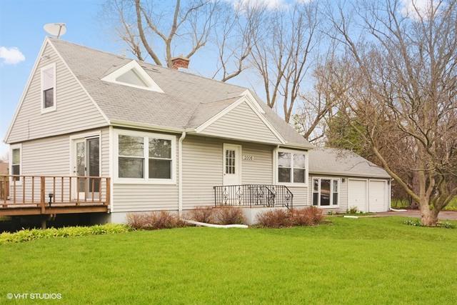 2006 E Euclid Avenue, Mount Prospect, IL 60056 (MLS #09759229) :: Helen Oliveri Real Estate