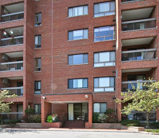 600 Naples Court #106, Glenview, IL 60025 (MLS #09759315) :: Helen Oliveri Real Estate