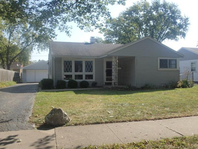 2331 Cedar Street, Des Plaines, IL 60018 (MLS #09759686) :: Helen Oliveri Real Estate