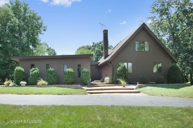 21 Barrington Bourne, Barrington Hills, IL 60010 (MLS #09759783) :: Helen Oliveri Real Estate