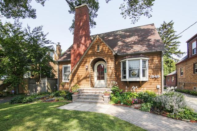 1549 Winnetka Avenue, Northfield, IL 60093 (MLS #09760004) :: Helen Oliveri Real Estate