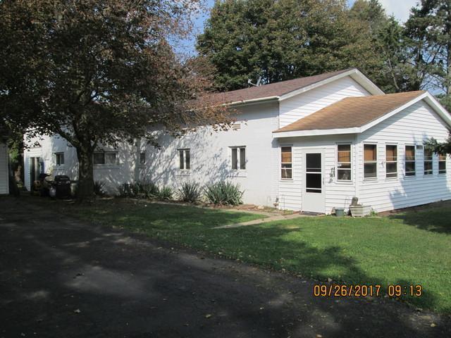 609 S Shabbona Road, Shabbona, IL 60550 (MLS #09762748) :: Domain Realty