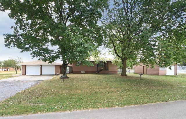 304 Pacific Street, Essex, IL 60935 (MLS #09764081) :: Littlefield Group