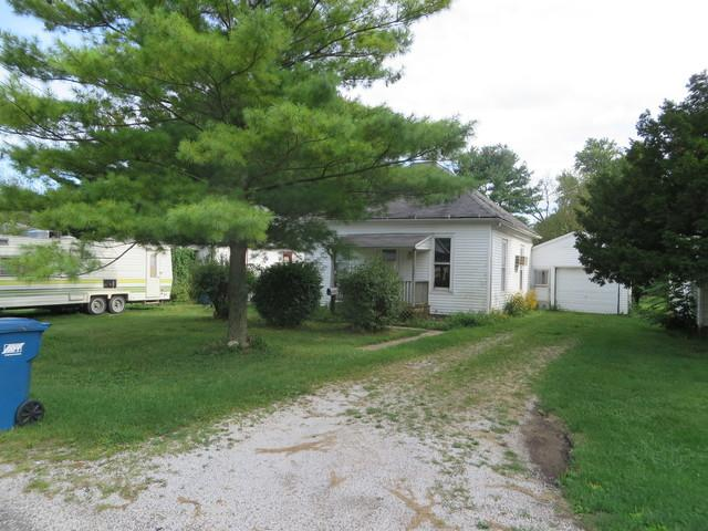 845 E Young Avenue, Hoopeston, IL 60942 (MLS #09765202) :: Littlefield Group