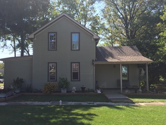 201 W Green Street, Roberts, IL 60962 (MLS #09767411) :: Littlefield Group