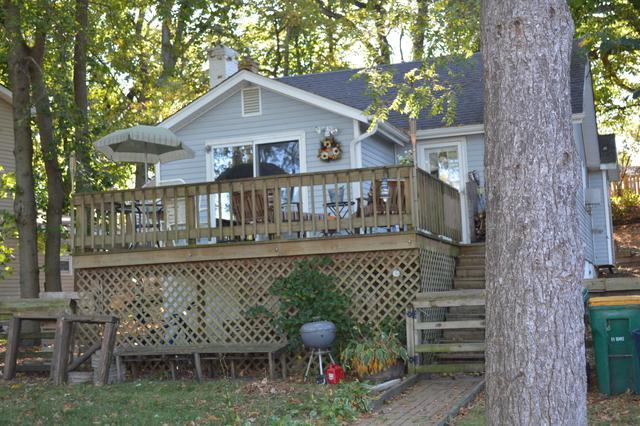1225 Lincoln Avenue, Fox River Grove, IL 60021 (MLS #09771562) :: Lewke Partners