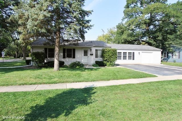 240 Raupp Boulevard, Buffalo Grove, IL 60089 (MLS #09774337) :: The Schwabe Group