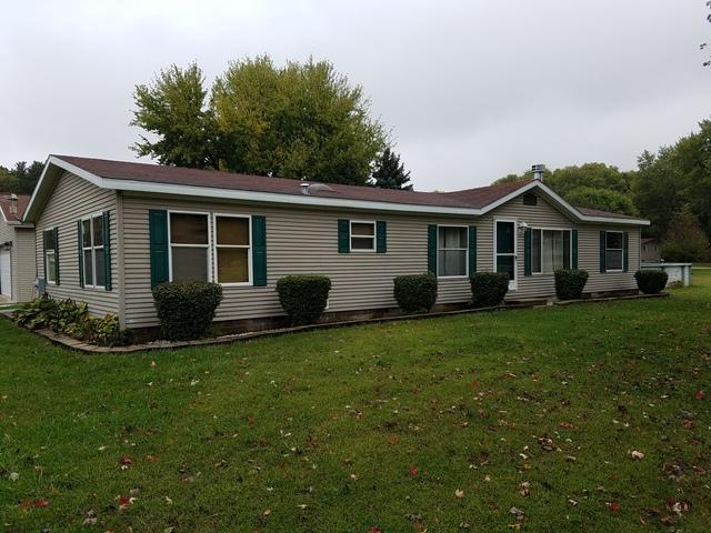 1600 Winnetka Street, Dixon, IL 61021 (MLS #09776257) :: Key Realty
