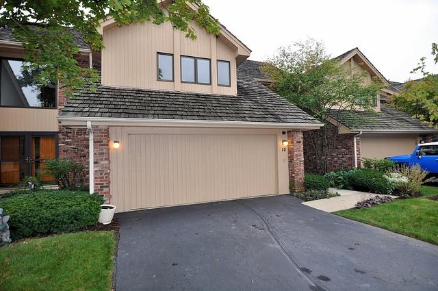 50 Oak Creek Drive, Burr Ridge, IL 60527 (MLS #09776725) :: The Wexler Group at Keller Williams Preferred Realty