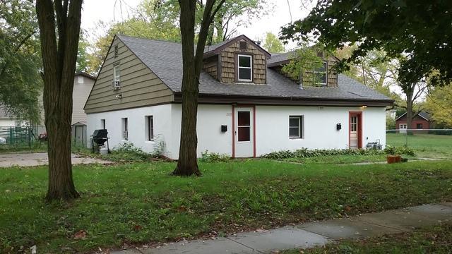 209 E Kerr Avenue, Urbana, IL 61801 (MLS #09777331) :: Littlefield Group