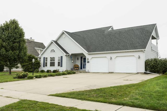 903 Pheasant Run Road, Tuscola, IL 61953 (MLS #09777783) :: Littlefield Group