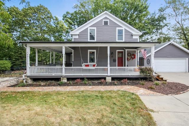 32 W Ogden Avenue, Hinsdale, IL 60521 (MLS #09780228) :: The Wexler Group at Keller Williams Preferred Realty
