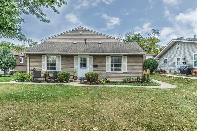 1356 Woodcutter Lane A, Wheaton, IL 60189 (MLS #09780527) :: The Wexler Group at Keller Williams Preferred Realty
