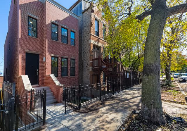 2123 N Winchester Avenue, Chicago, IL 60614 (MLS #09780720) :: The Perotti Group