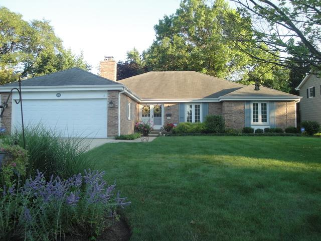 210 Longfellow Drive, Wheaton, IL 60189 (MLS #09781134) :: The Wexler Group at Keller Williams Preferred Realty
