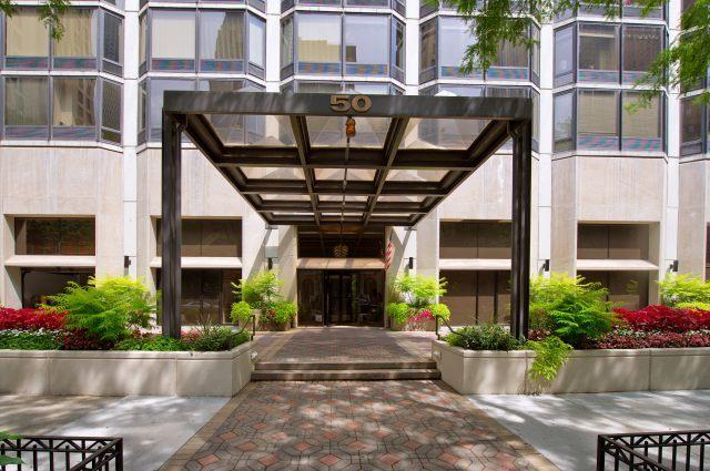 50 E Bellevue Place #2605, Chicago, IL 60611 (MLS #09781860) :: Property Consultants Realty