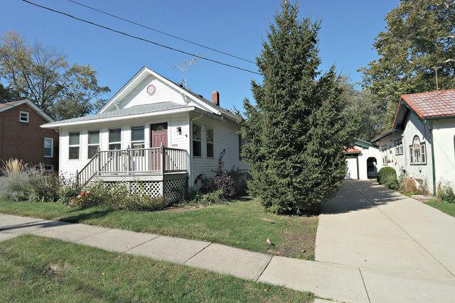 129 Lawrence Avenue, Woodstock, IL 60098 (MLS #09781936) :: Lewke Partners