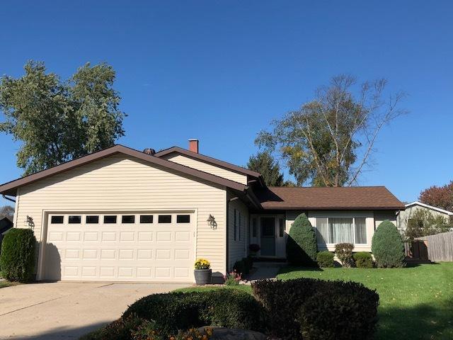 5008 Sandburg Drive, Mchenry, IL 60050 (MLS #09783478) :: Lewke Partners