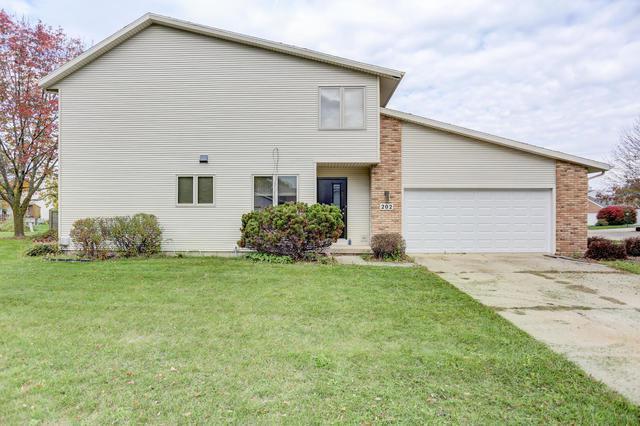202 Vista Lane Na, Savoy, IL 61874 (MLS #09783740) :: Littlefield Group