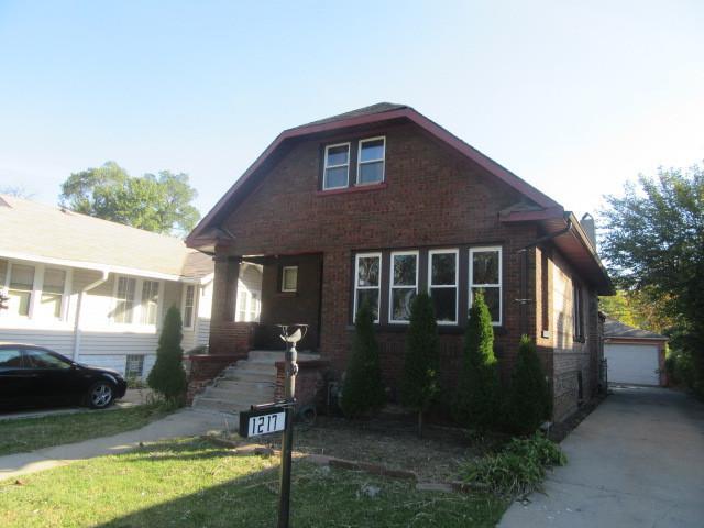 1217 S 16TH Avenue, Maywood, IL 60153 (MLS #09784659) :: Helen Oliveri Real Estate