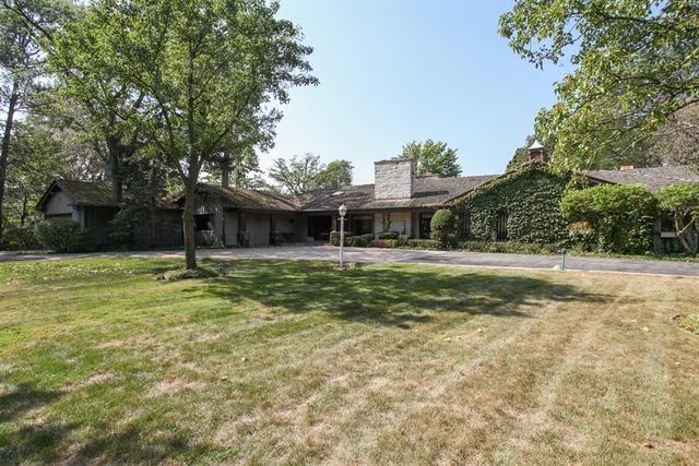 40 Hibbard Road, Northfield, IL 60093 (MLS #09788530) :: Helen Oliveri Real Estate