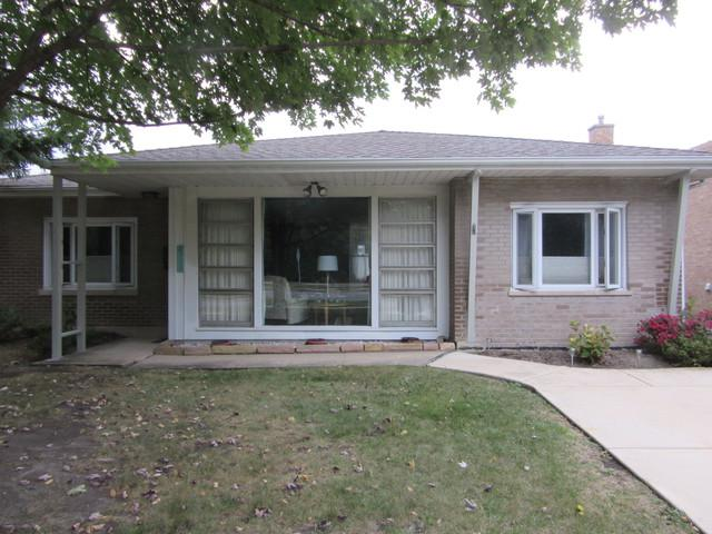 8444 W 26th Street, North Riverside, IL 60546 (MLS #09789105) :: Domain Realty