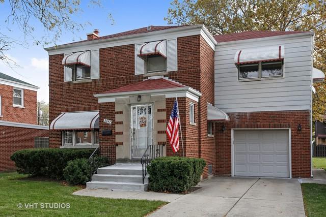 2447 S 9th Avenue, North Riverside, IL 60546 (MLS #09793014) :: Domain Realty