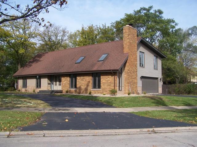 2835 Scott Cres Road, Flossmoor, IL 60422 (MLS #09793853) :: The Dena Furlow Team - Keller Williams Realty