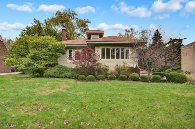 490 Uvedale Road, Riverside, IL 60546 (MLS #09794212) :: The Wexler Group at Keller Williams Preferred Realty