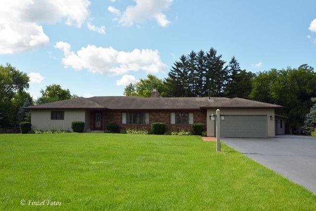 27766 N Lakeview Circle, Wauconda, IL 60084 (MLS #09796227) :: Domain Realty