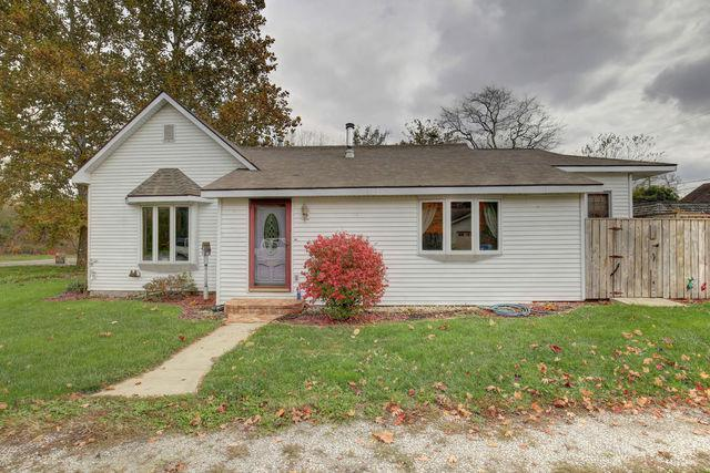 302 S Sycamore Street, OGDEN, IL 61859 (MLS #09796574) :: Littlefield Group