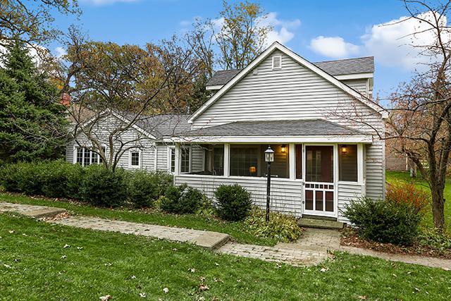 23249 W South Lakewood Lane, Lake Zurich, IL 60047 (MLS #09796992) :: Helen Oliveri Real Estate
