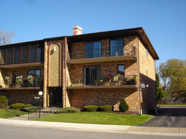 11337 Moraine Drive 2-L, Palos Hills, IL 60465 (MLS #09797405) :: The Wexler Group at Keller Williams Preferred Realty