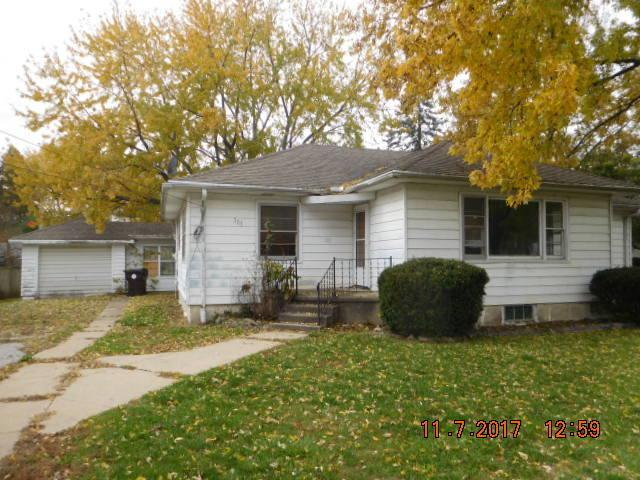 303 N 3rd Street, Fisher, IL 61843 (MLS #09797484) :: Littlefield Group