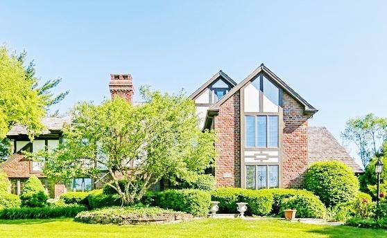 5 Hampton Court, Burr Ridge, IL 60527 (MLS #09798721) :: The Wexler Group at Keller Williams Preferred Realty