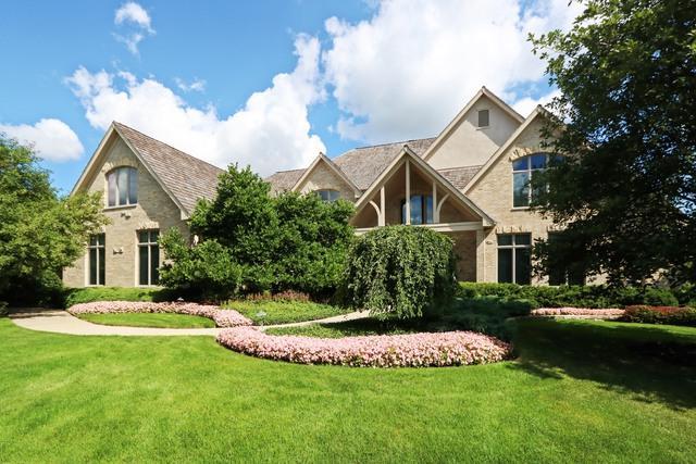 5560 Churchill Lane, Libertyville, IL 60048 (MLS #09799455) :: Helen Oliveri Real Estate
